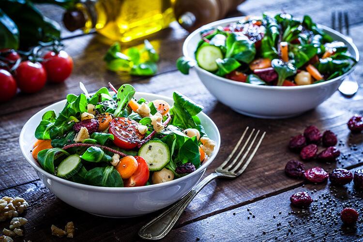gununuze-keyif-katacak-5-farkli-salata-tarifi